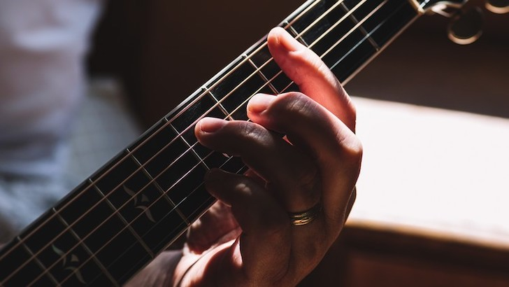 How To Play Barre Chords Easily On Guitar - Learn Guitar Chords