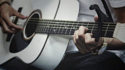 How Does A Capo for Acoustic Guitar Work